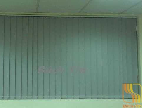 Rèm lá dọc văn phòng màu trắng ghi Star blinds A306 tại Huế