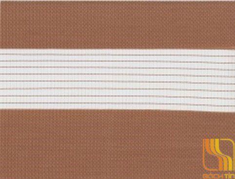 Rèm cuốn hai lớp màu nâu nhạt tại Huế