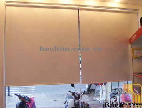 Rèm cuốn màu trắng cản nắng c580 tại Huế