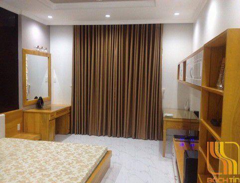 Rèm vải trơn màu nâu tại Huế