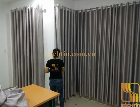 Rèm cửa phòng ngủ màu ghi tại Huế